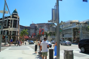 30 - Los Angeles (Rodeo Drive)