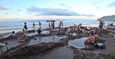 Hot Water Beach 2