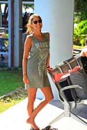 Rarotonga - Airport - happy Angelina